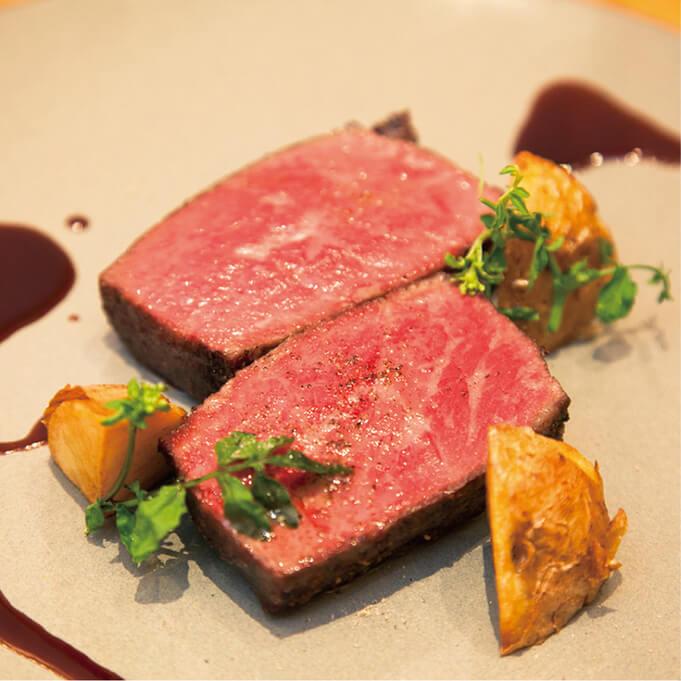 RIGOLETTO KITCHENの肉料理写真