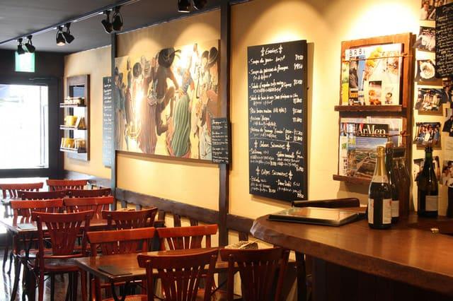 ブレッツカフェクレープリー銀座店のテーブル写真