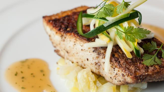 レ・コパン ドゥ ドミニク・ブシェ の魚料理写真
