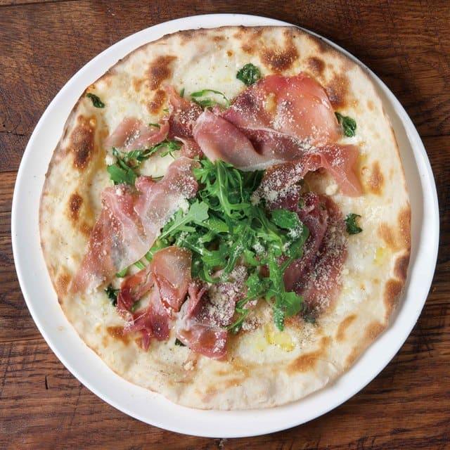マッテオ 銀座店のピザ写真