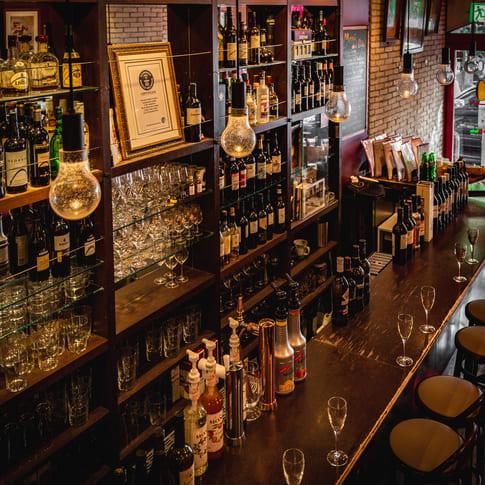 Bar de Ollaria銀座店のカウンター写真