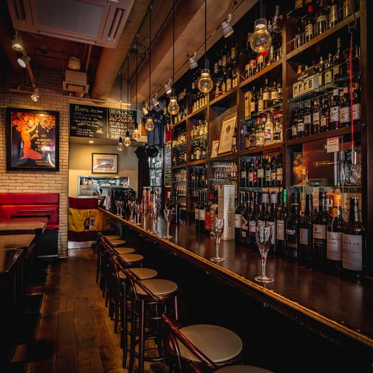 Bar de Ollaria銀座店のバーカウンター写真