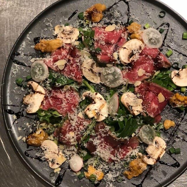 トリニティ オイスターハウス銀座店の肉料理写真