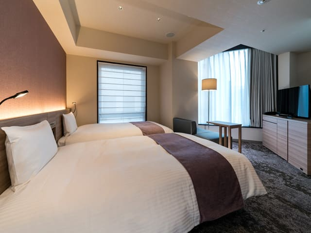 ダイワロイネットホテル新橋のベッド写真