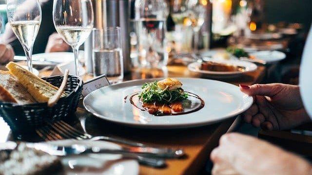 フランス料理とスペイン料理のイメージ画像