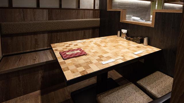 串揚げ串かざり銀座裏コリドー店のテーブル写真