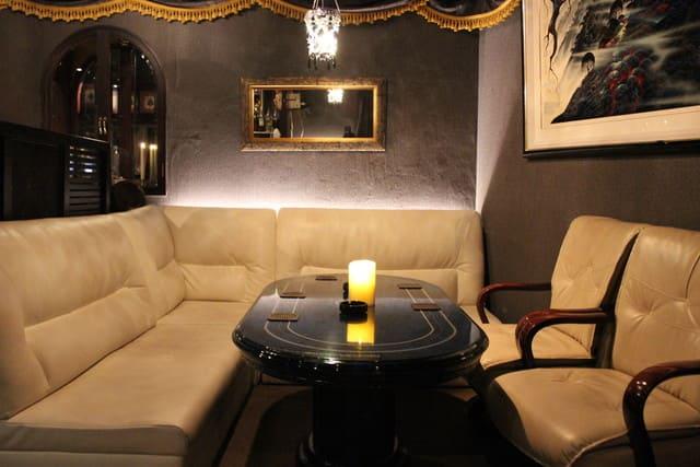 銀座十二時 銀座コリドー街本店のソファー写真