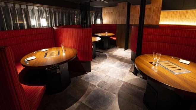 焼肉 炙屋武蔵のフロア写真