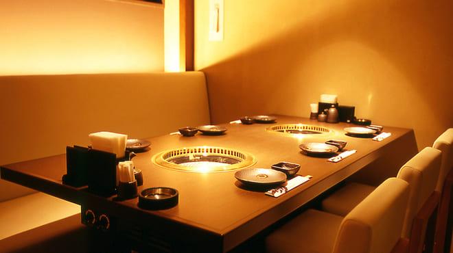 焼肉 炙屋武蔵のテーブル写真