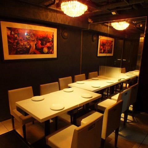 俺のフレンチ銀座コリドー街のテーブル写真