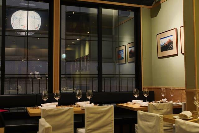 いぞら銀座6丁目のテーブル写真