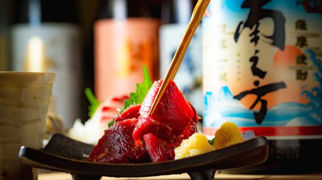九州の旨かもん 旨か酒 くすお 銀座裏コリドー店の馬刺し写真