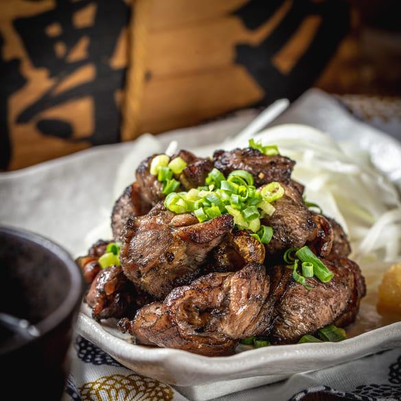 九州の旨かもん 旨か酒 くすお 銀座裏コリドー店の地鶏炭火焼写真写真