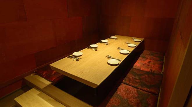 個室×韓国料理 銀座MUNの掘りごたつ写真