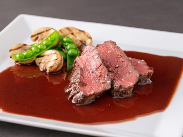 RB BAR2 銀座外堀通りの肉料理写真